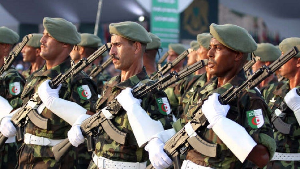 الجيش الجزائري: إجراء الانتخابات الرئاسية في آجالها سيجنب الوقوع في الفراغ
