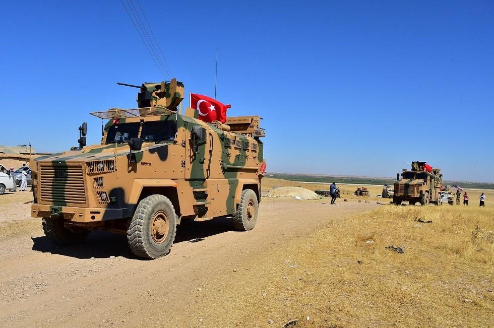 الجيش التركي يرسل تعزيزات إلى حدود سوريا