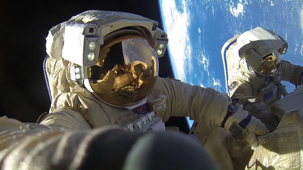 الرواد الروس في مهمة جديدة إلى الفضاء المفتوح