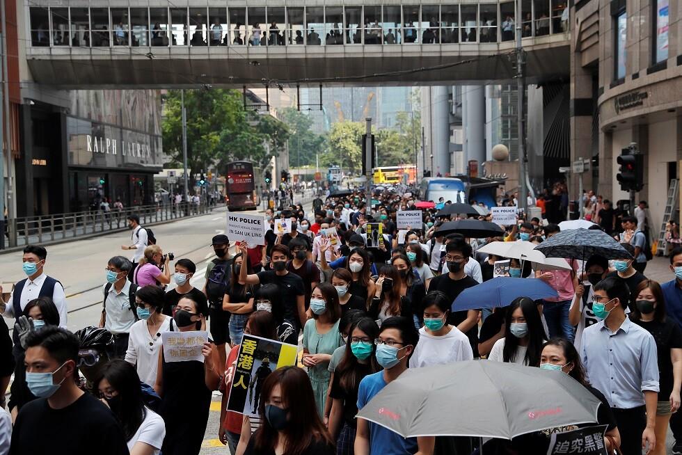 هونغ كونغ مشلولة: الاحتجاجات لا تهدأ