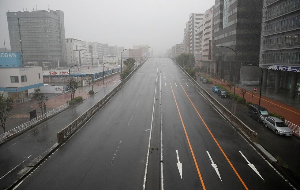 شوارع خالية في يوكوهاما استعدادا للإعصار