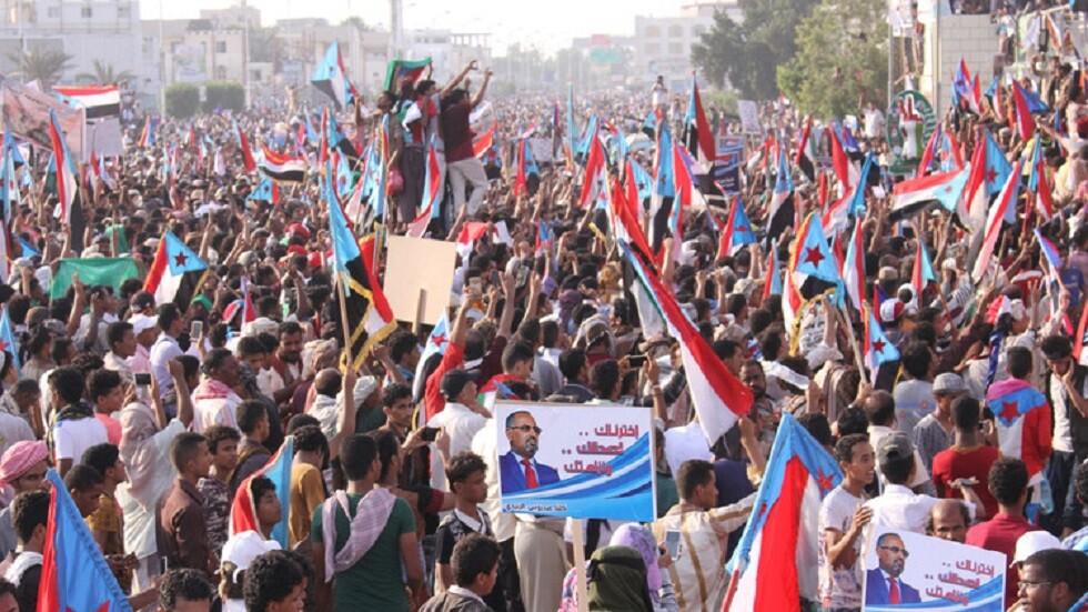 مصدر في المجلس الانتقالي في عدن ينفي لـRT التوقيع على مسودة المصالحة مع الحكومة اليمنية