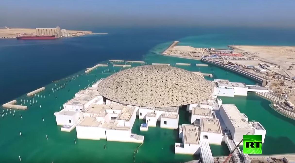دولة الإمارات وطرق تطورها -