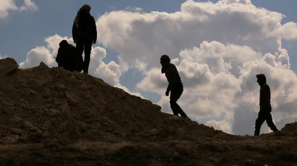 فرار أقارب داعش من معسكر في سوريا - أرشيف