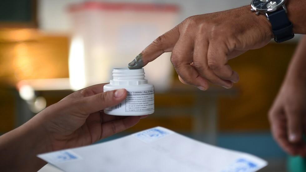 مراكز الاقتراع في تونس تغلق أبوابها والبدء بعملية فرز الأصوات
