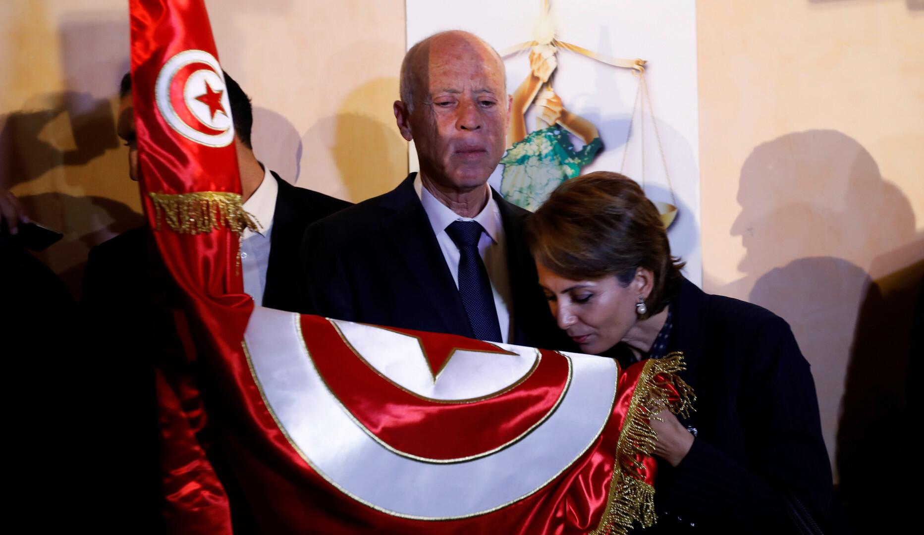 تونس .. من وسيلة بورقيبة إلى ليلى الطرابلسي وصولا إلى إشراف شبيل