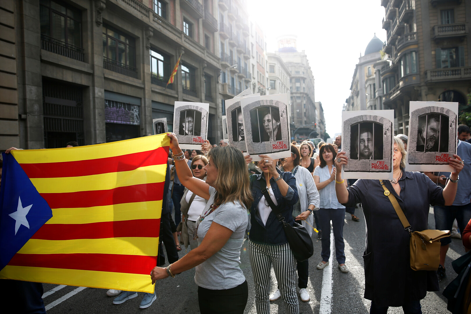 إسبانيا.. أحكام بالسجن لـ9 من قياديي انفصال كتالونيا