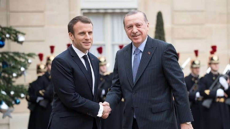 الرئيس التركي رجب طيب أردوغان ونظيره الفرنسي إيمانويل ماكرون - أرشيف -