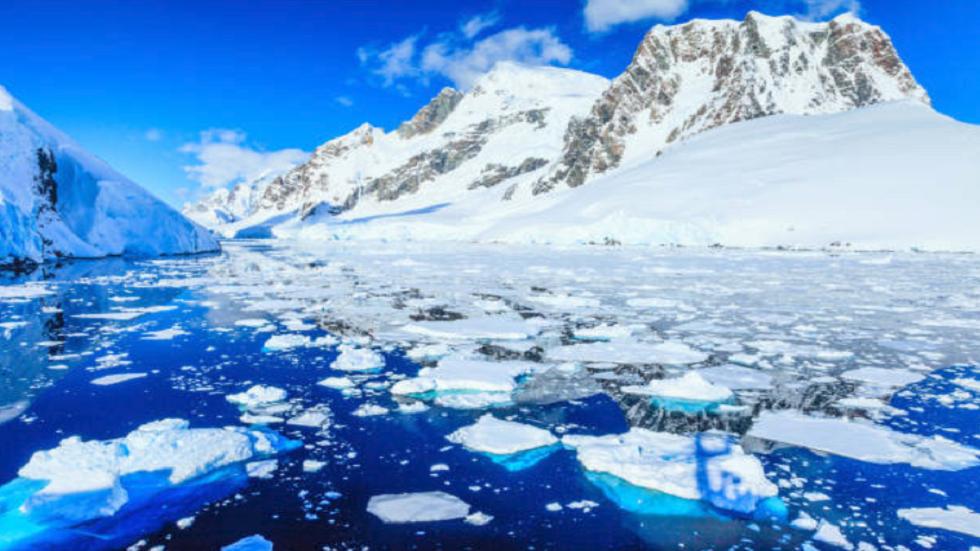 باحثون يحذرون من ذوبان القطب الجنوبي من الأسفل!