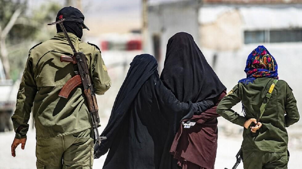 نتيجة بحث الصور عن مصدر لـRT: الأميركيون يجلون نسوة داعش عن مخيم الهول إلى الشدادي