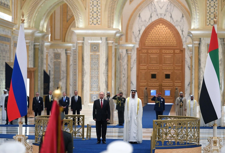 استقبال مهيب للرئيس الروسي في الإمارات -