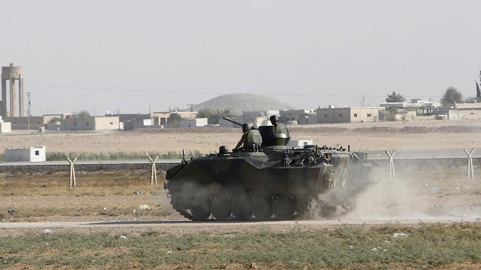 دبابة تركية في منطقة الحدود مع سوريا - أرشيف