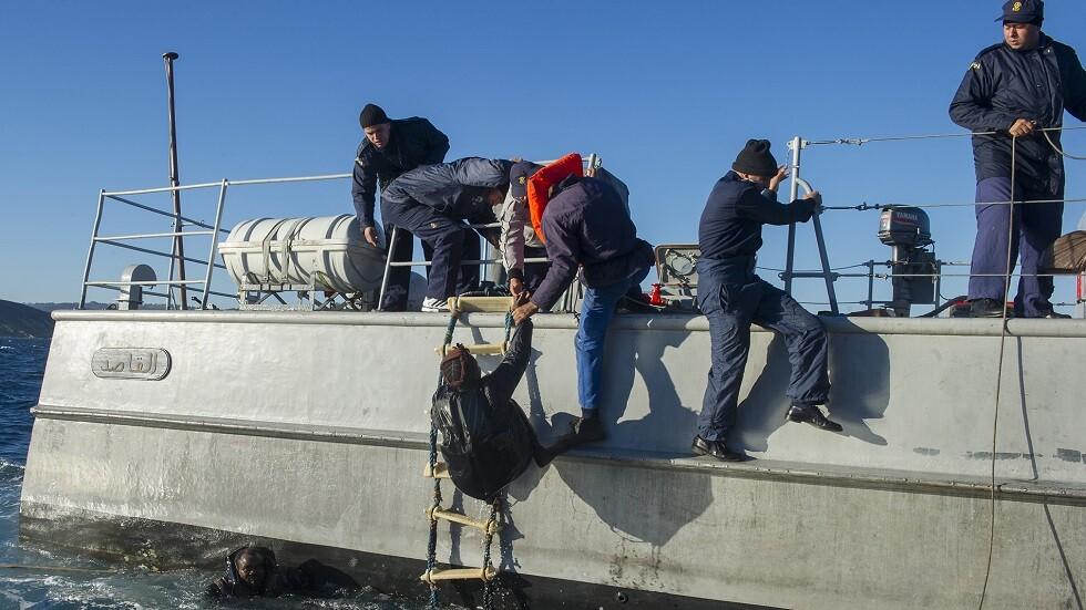 البحرية المغربية تنقذ مهاجرين غير شرعيين من البحر المتوسط - أرشيف