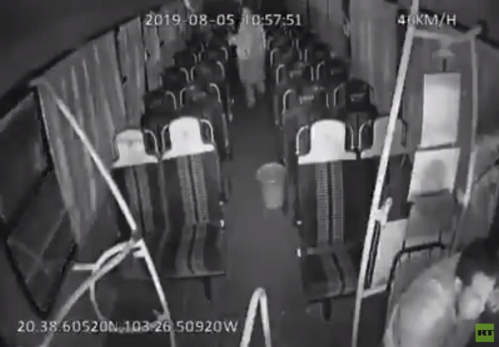 أشباح تطارد سائق الحافلة