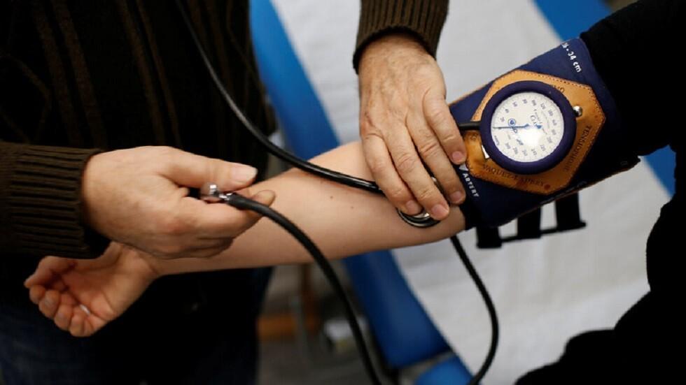 أدوية شائعة لارتفاع ضغط الدم تزيد من خطر الانتحار بنسبة 60%
