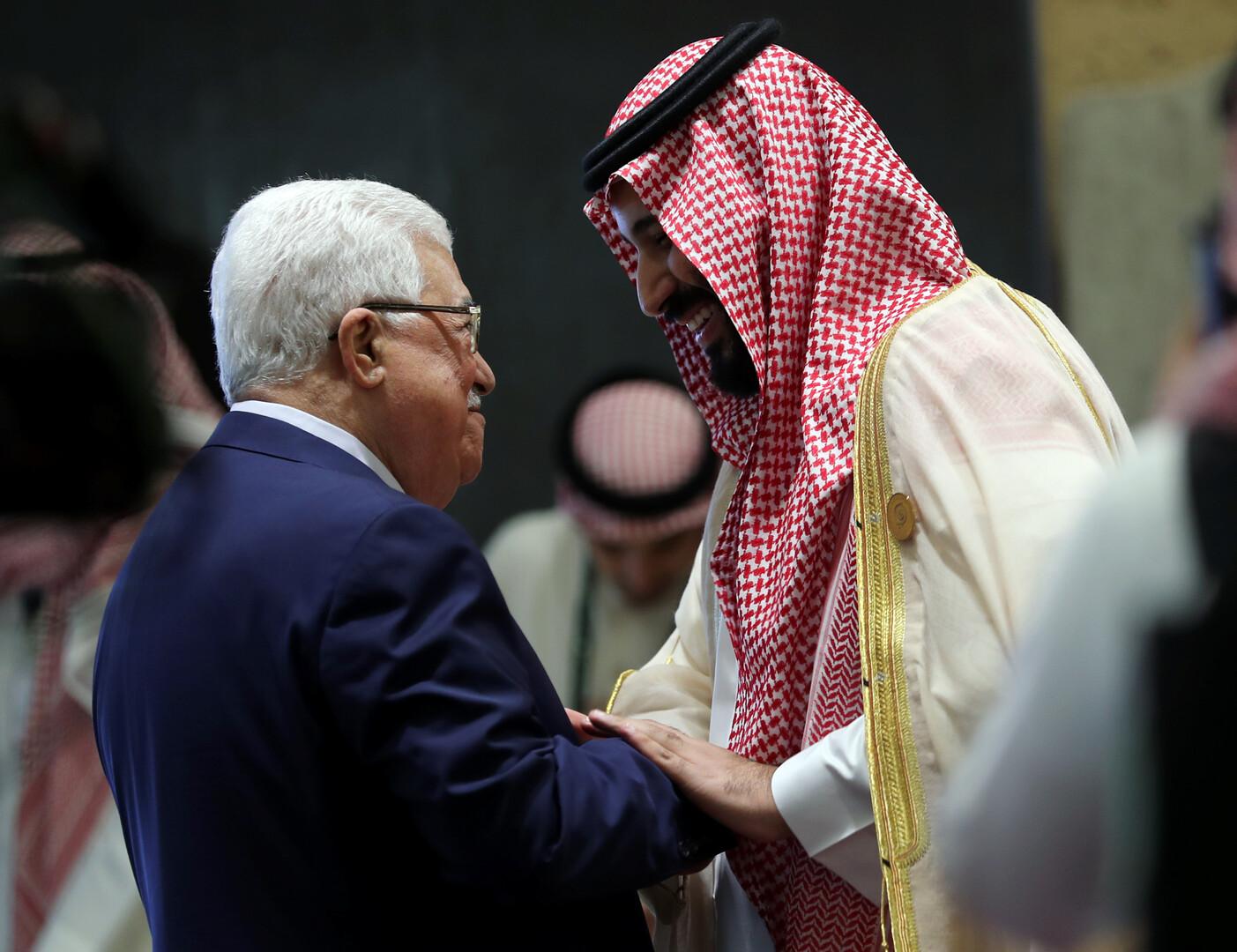 الرئيس الفلسطيني محمود عباس وولي العهد السعودي الأمير محمد بن سلمان