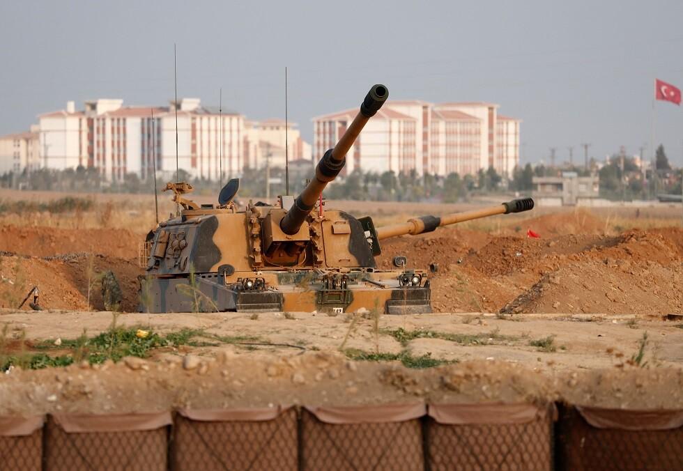 يختبرون مقاومة الفولاذ التركي