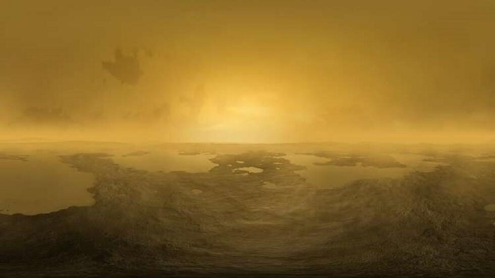 صورة تعبيرية لسطح قمر تيتان