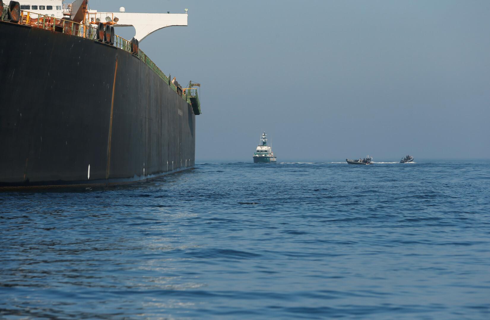 وسائل إعلام إسرائيلية: الاشتباه بتسليم سفينة إيرانية أسلحة لسوريا