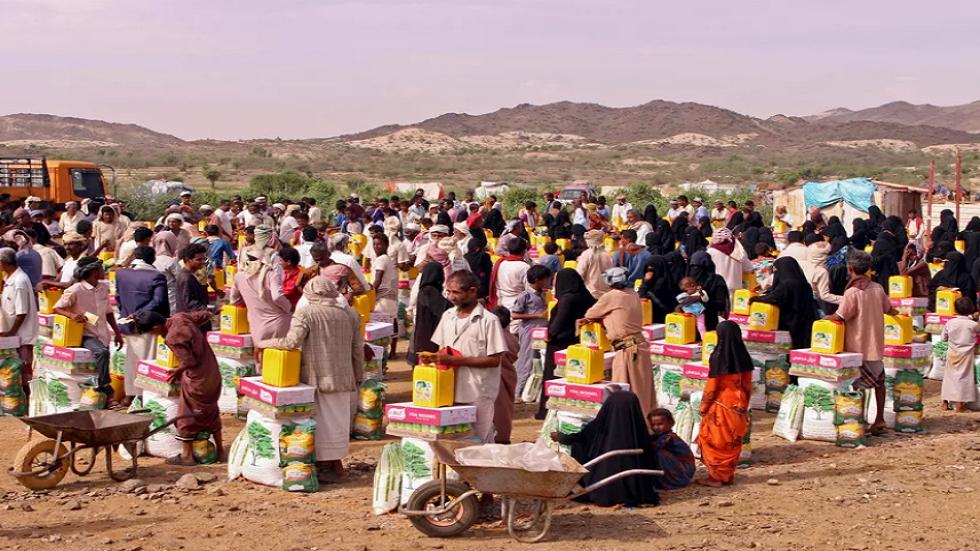 مسؤول عسكري يمني ينفي استهداف قافلة المساعدات الإنسانية في الحديدة