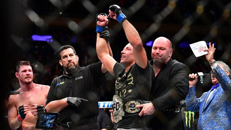 رئيس UFC متهما البطل