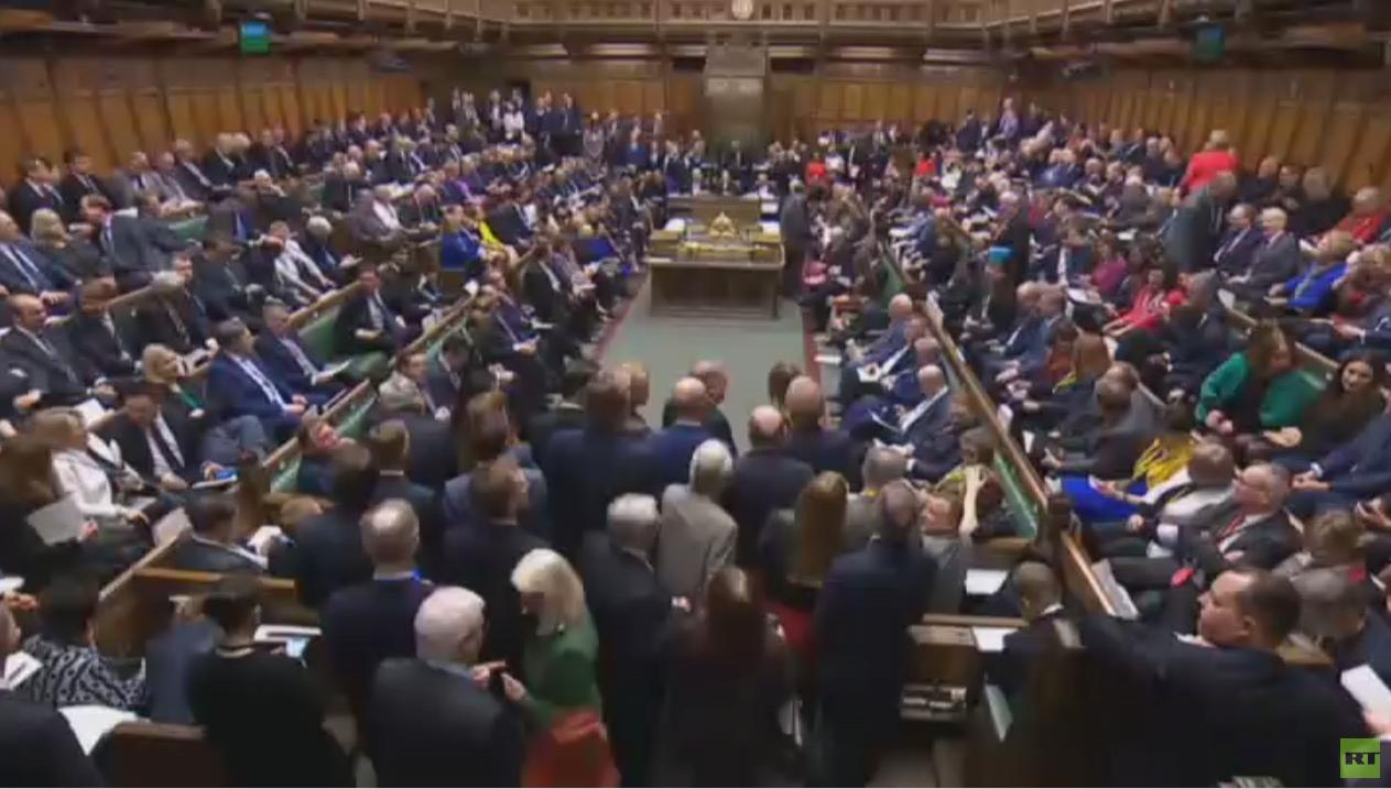 برلمان بريطانيا يطلب تأجيل ''بريكست''