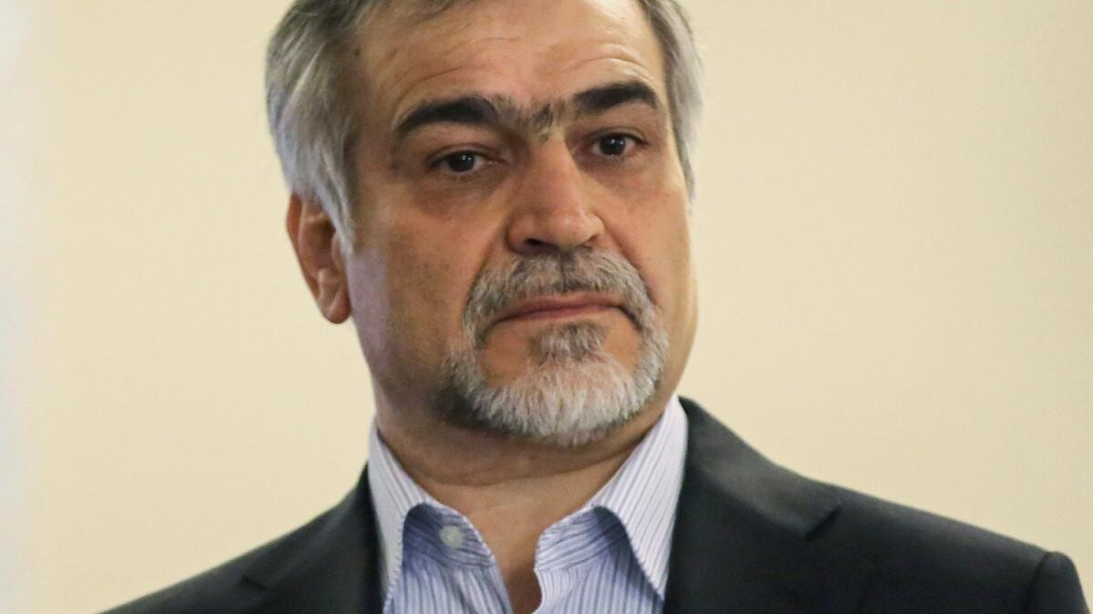 مصادر إيرانية: منح شقيق روحاني إجازة من السجن