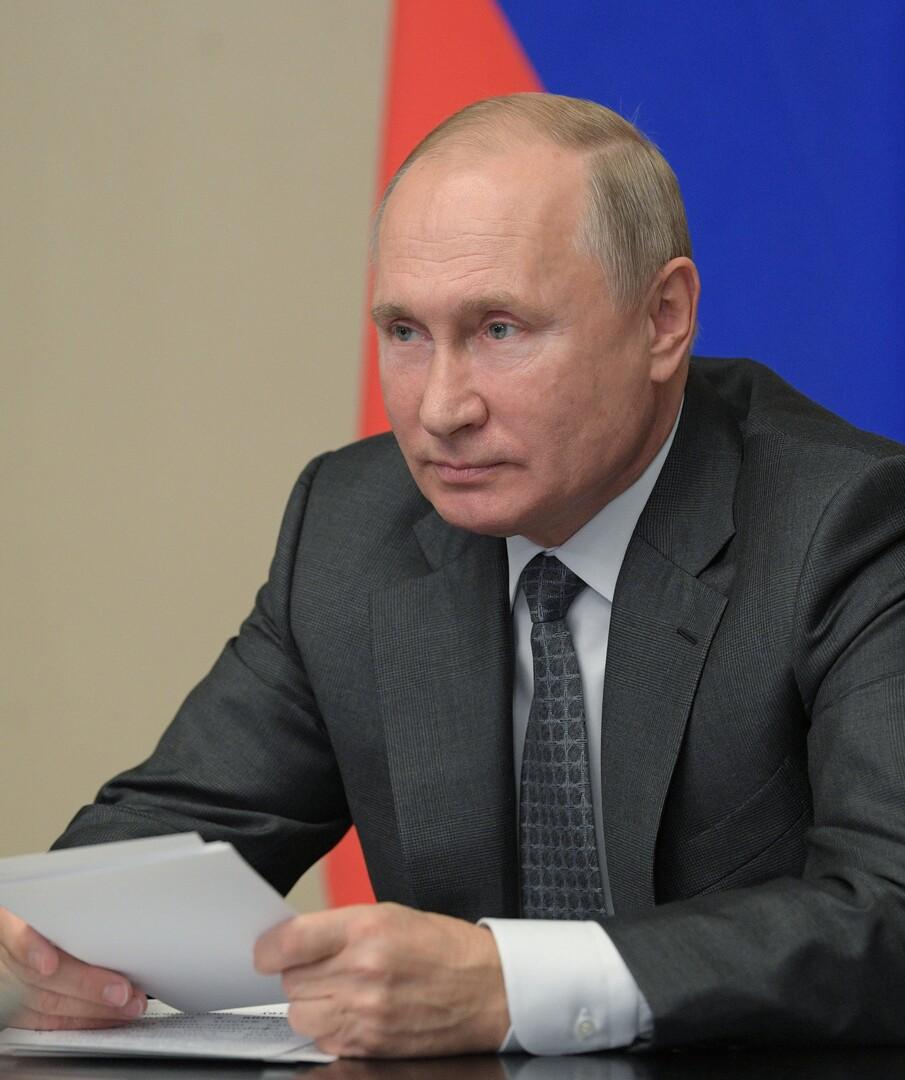 بوتين: بعض الدول الإفريقية بحاجة للمساعدة في مواجهة المسلحين وسنوسع التعاون الأمني معها