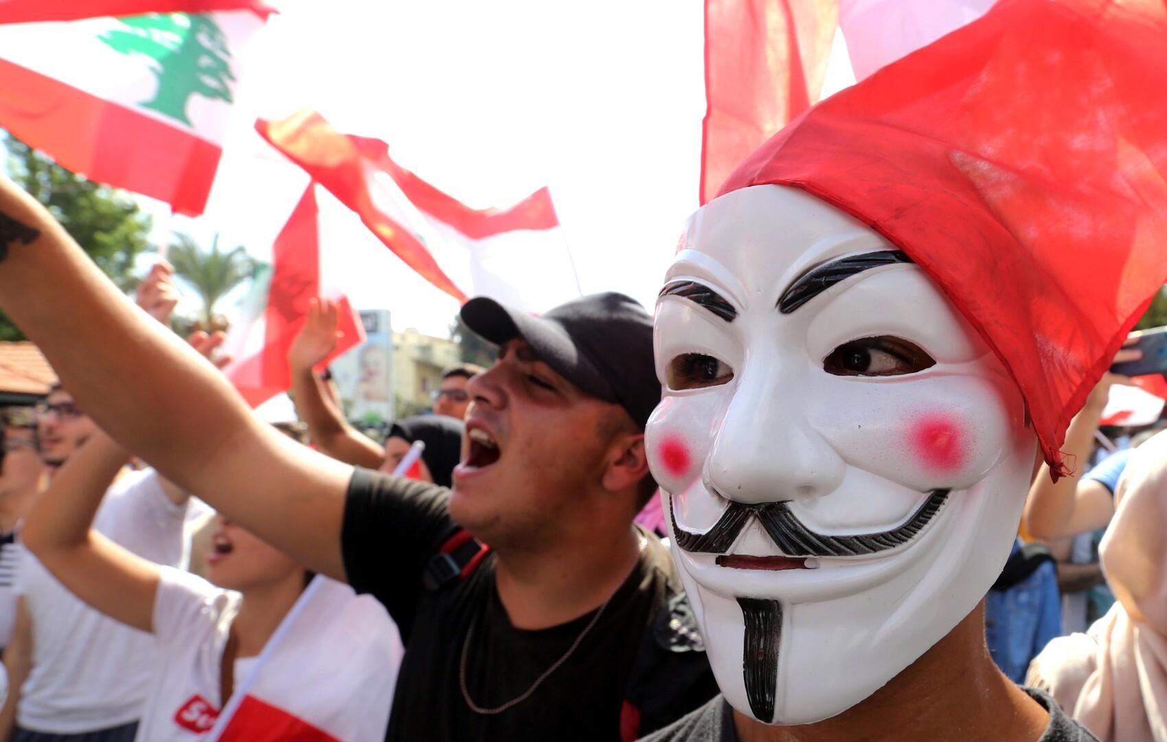 سندات الحكومة اللبنانية تهوي مع اتساع الاحتجاجات