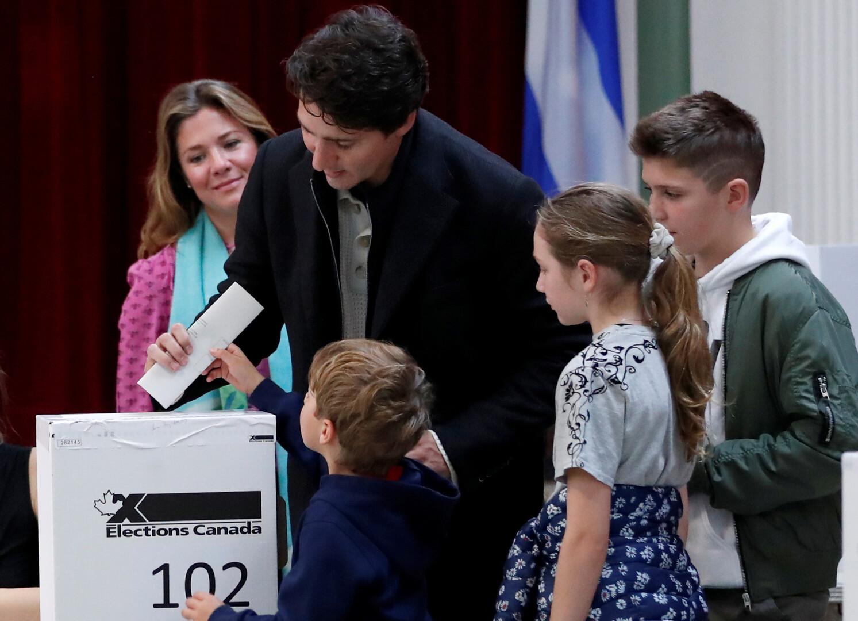 فوز متوقع لترودو في انتخابات كندا يتيح له تشكيل حكومة أقلية