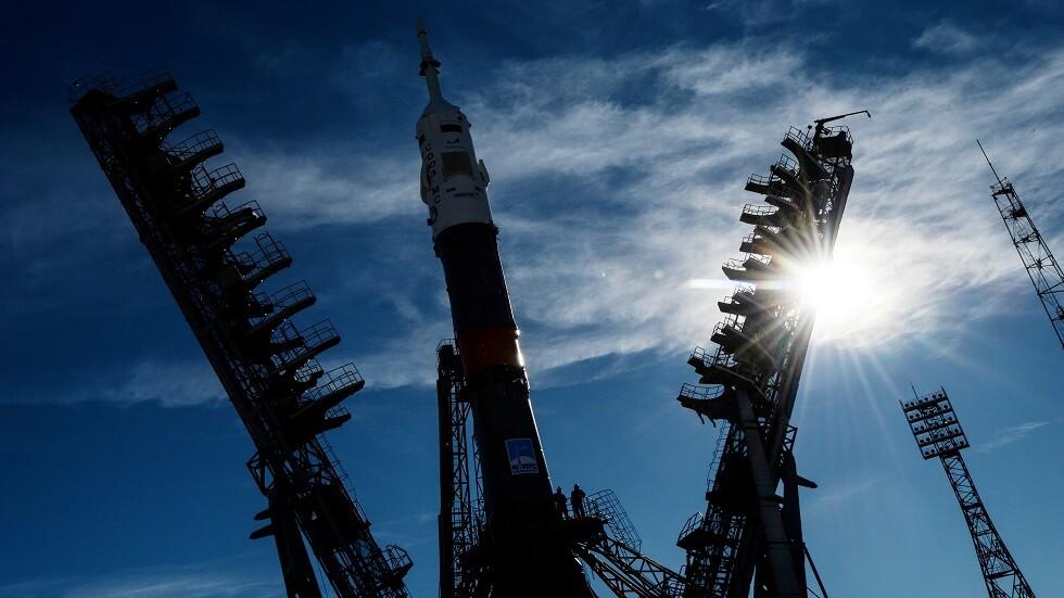روسيا تواصل إطلاق أقمار OneWeb لتغطية الأرض بالإنترنت