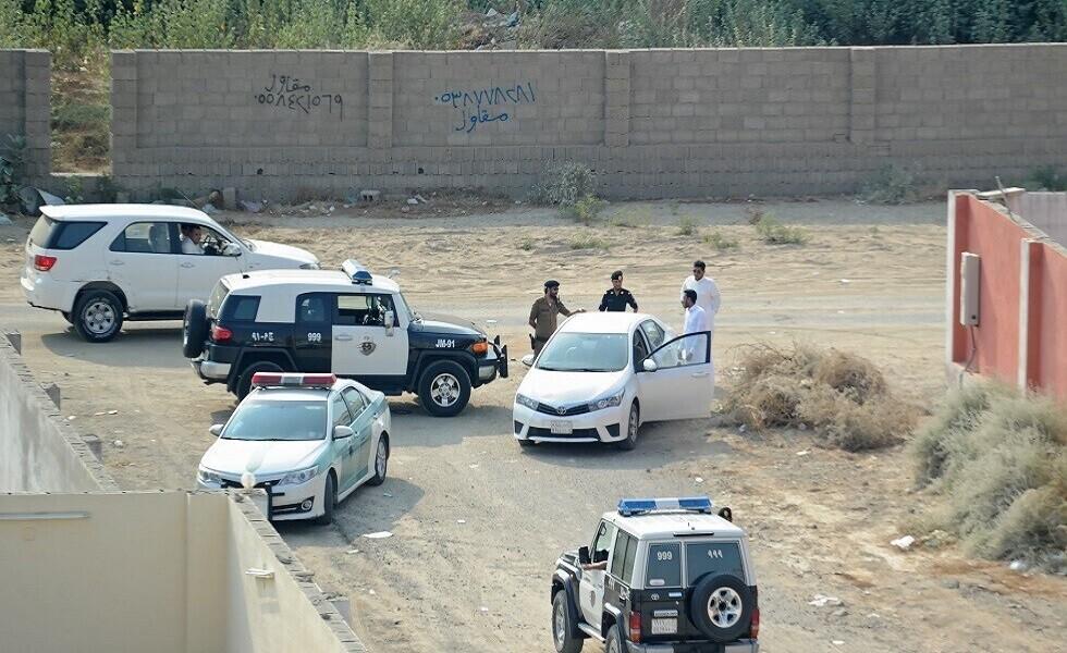 سعودي يطلق النار بشكل جنوني في حي سكني (فيديو)