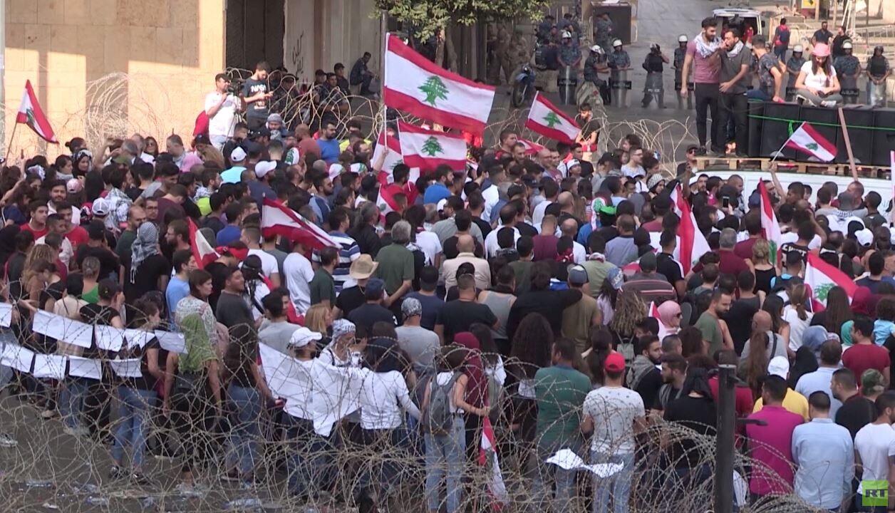 لبنان.. يوم سادس من الاحتجاجات الشعبية