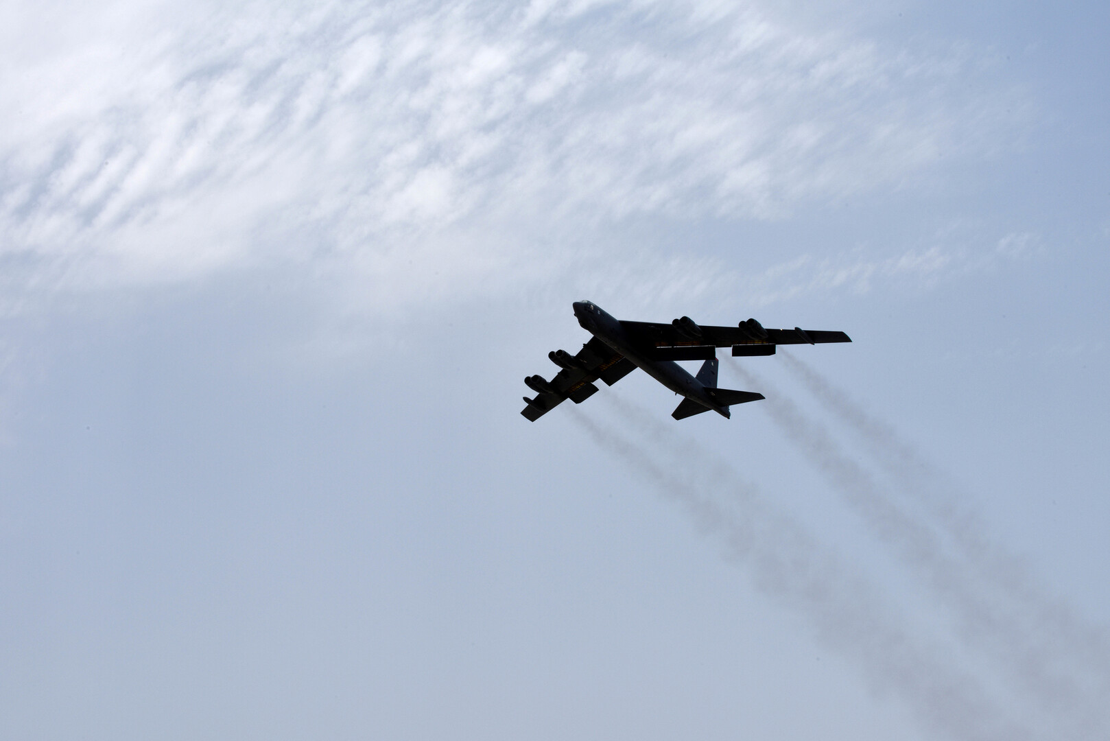البنتاغون والتدريب على قصف القرم بالقاذفات الاستراتيجية