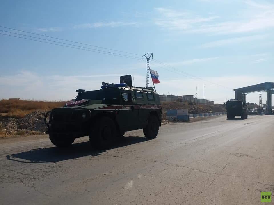 الشرطة العسكرية الروسية تدخل مدينة عين العرب شرق الفرات شمالي سوريا (صور)