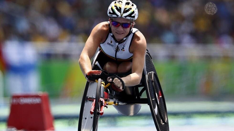 بطلة أولمبية تضع حدا لحياتها وتلجأ للـ