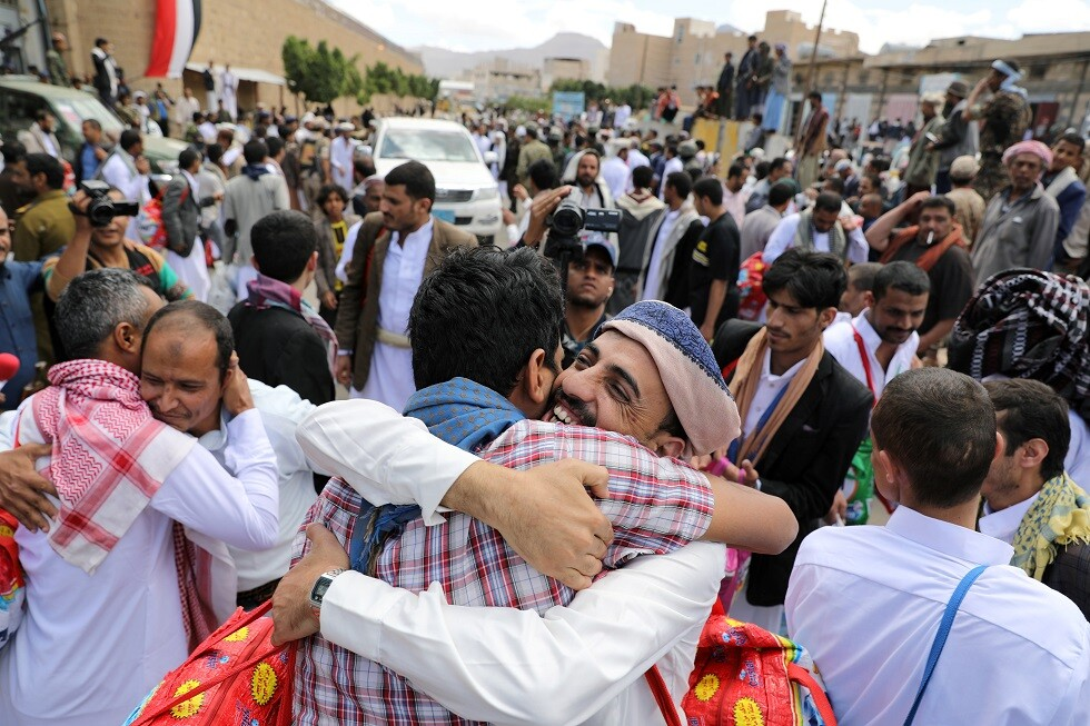 اليمن.. الحوثيون يعلنون تحرير 9 أسرى في عمليتي تبادل مع الجيش اليمني