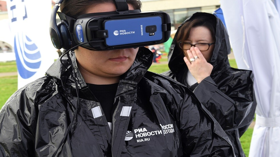 شرطة موسكو تتزود بنظارات التعرف على الوجوه