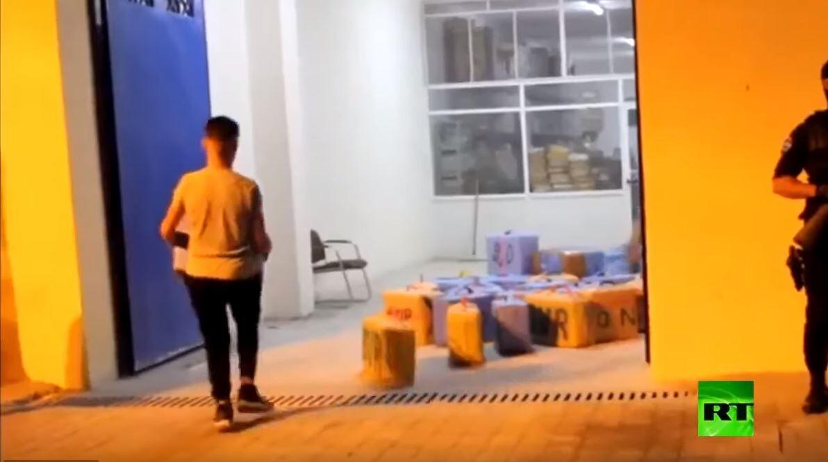 الحجز على أطنان المخدرات في طنجة المغربية
