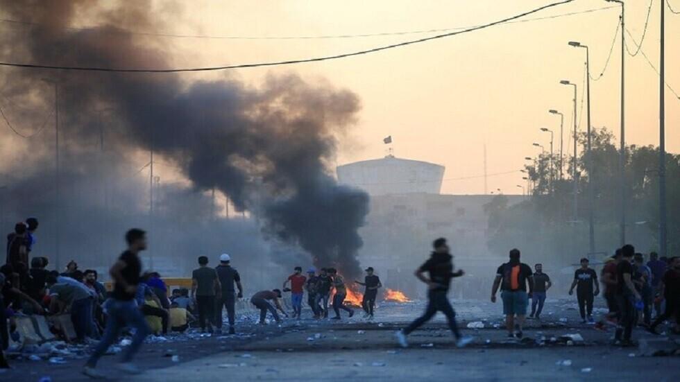 مراسلنا: السلطات العراقية تمهل المتظاهرين نصف ساعة لإخلاء ساحة التحرير قبل اقتحامها