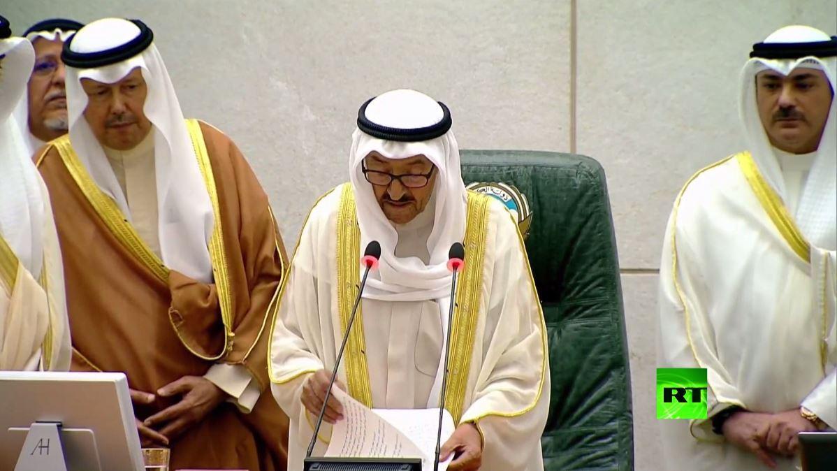 شاهد.. أول ظهور لأمير الكويت أمام مجلس الأمة بعد رحلة علاج