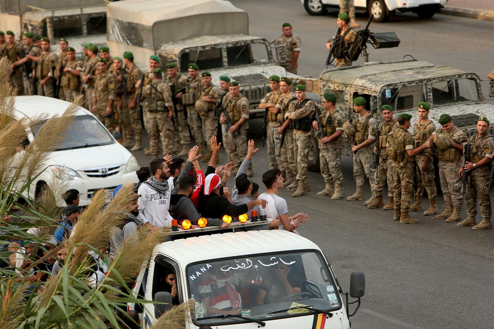 """Image result for قطع طرقات لبنان الجيش"""""""