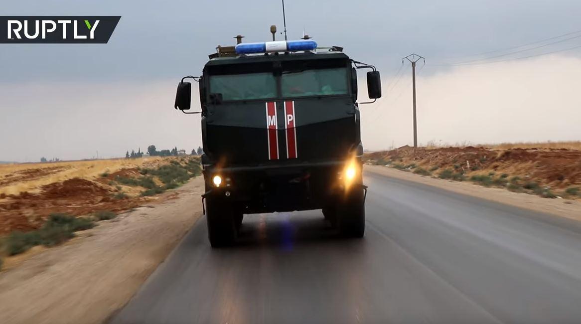 تسيير دوريات روسية في عامودا عند الحدود السورية التركية