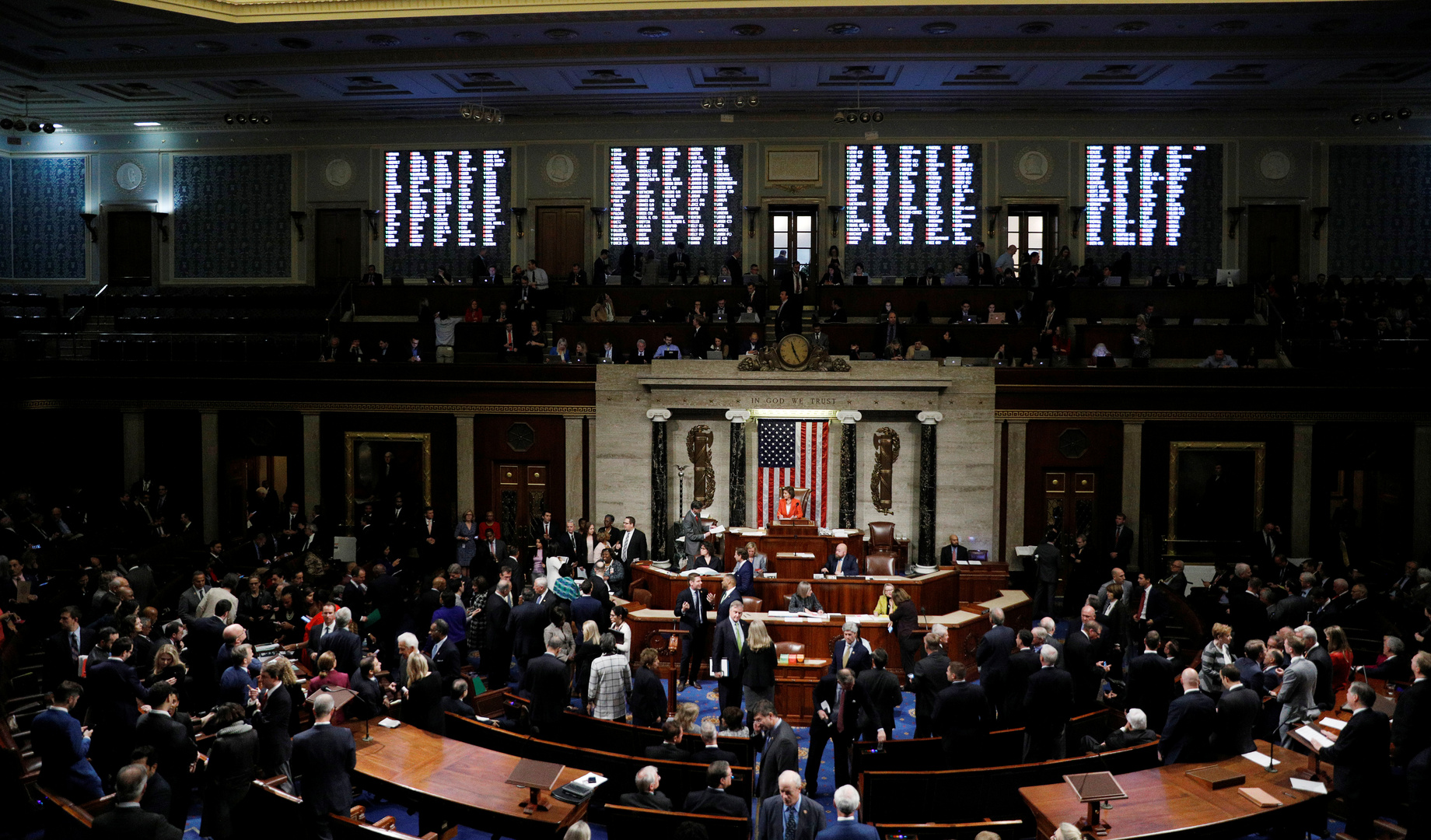 جلسة لمجلس النواب الأمريكي للتصويت حول إطلاق المرحلة العلنية للتحقيق في مسألة عزل رئيس البلاد، دونالد ترامب