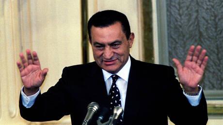 مبارك يظهر في أحدث صورة له في ذكرى انتصار أكتوبر