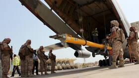 مراسلنا: انسحاب القوات الإماراتية والسودانية من أكبر قاعدة عسكرية باليمن