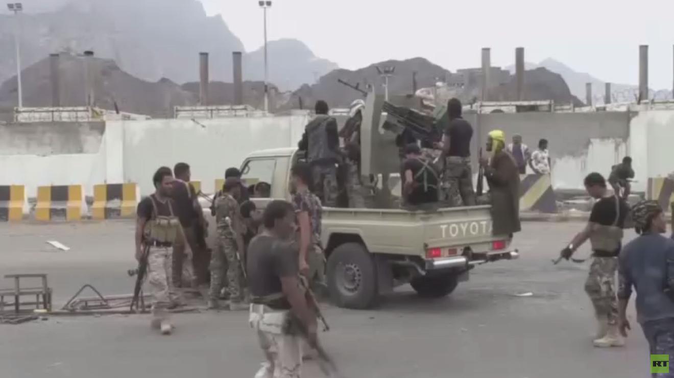 اشتباكات بين قوات هادي والانتقالي بأبين