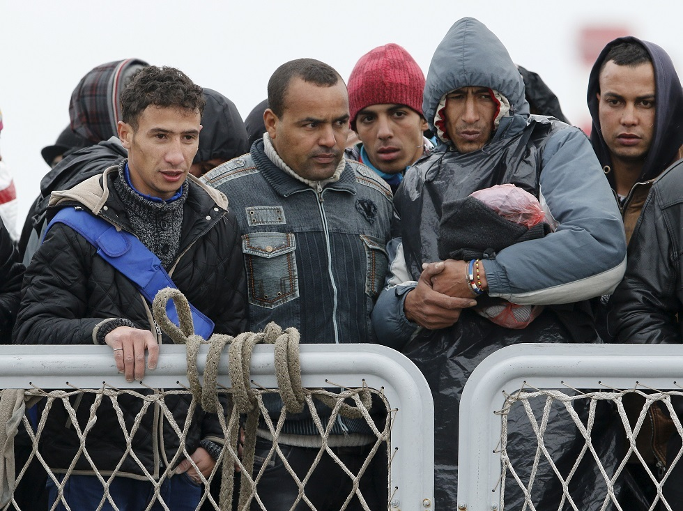 مهاجرون غير نظاميين من شمال إفريقيا في إيطاليا -أرشيف-
