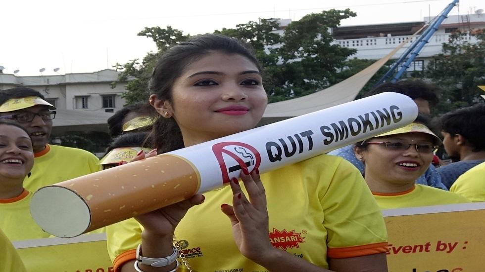 دخان السجائر يضر بحدة بصر الأطفال