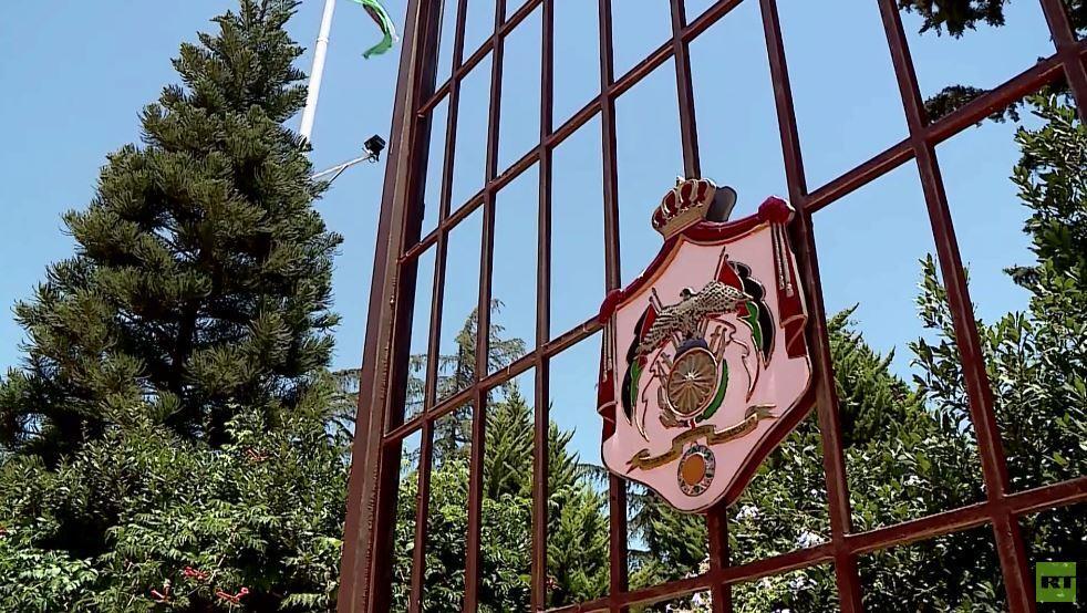 مشاورات الرزاز لتشكيل الحكومة الأردنية